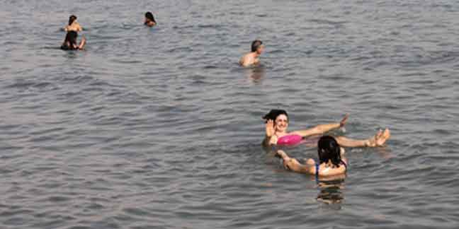 Floating on the water: Holy Land pilgrims tour Dead Sea region