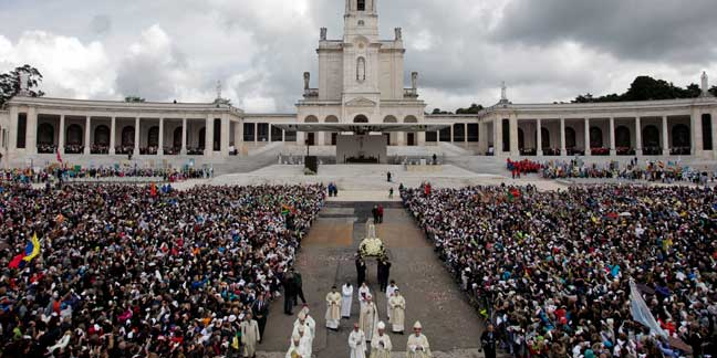 Pope Francis to visit Fatima in May 2017