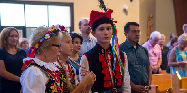 Polish Mass connects Mary's message of peace, faith