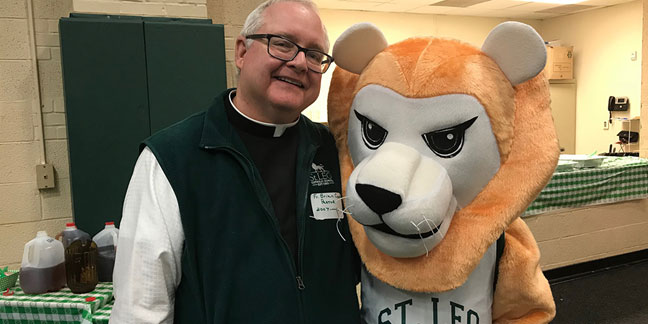 St. Leo School welcomes alumni home